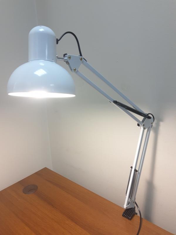 Настольная маникюрная лампа (белая)