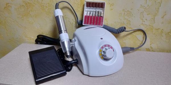 Аппарат для маникюра и педикюра DM-996 (белый), 35 тыс. об/мин